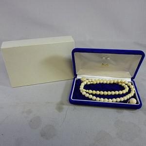 象牙のネックレス